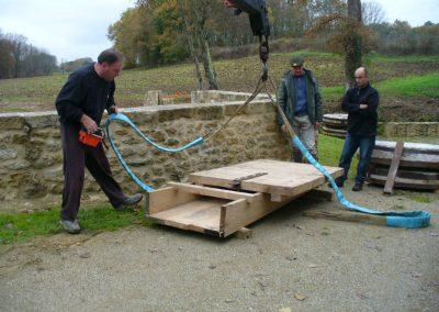 reportage-montage-roue-moulin-de-pinquet-020