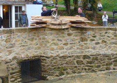 reportage-montage-roue-moulin-de-pinquet-025