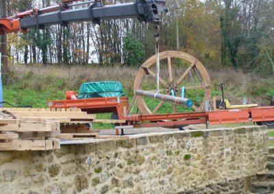 reportage-montage-roue-moulin-de-pinquet-026