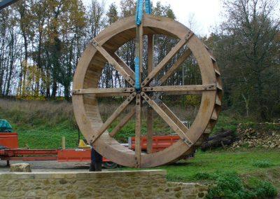 reportage-montage-roue-moulin-de-pinquet-029