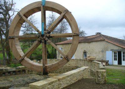 reportage-montage-roue-moulin-de-pinquet-030