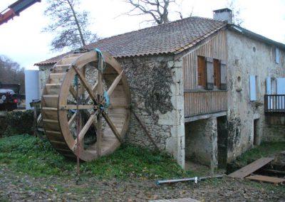reportage-montage-roue-moulin-de-pinquet-051