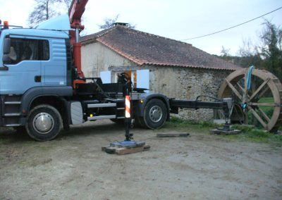 reportage-montage-roue-moulin-de-pinquet-052