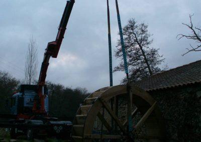 reportage-montage-roue-moulin-de-pinquet-054