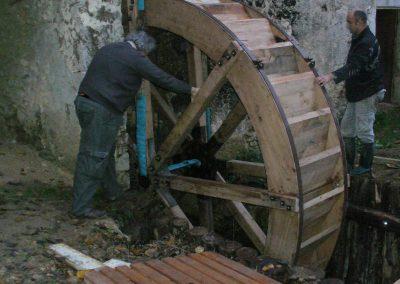 reportage-montage-roue-moulin-de-pinquet-063