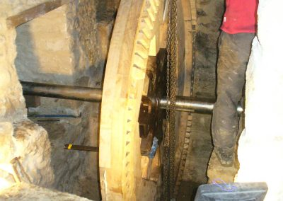 reportage-montage-roue-moulin-de-pinquet-071