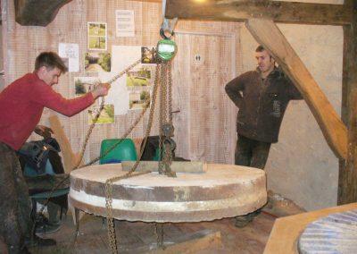 reportage-montage-roue-moulin-de-pinquet-118