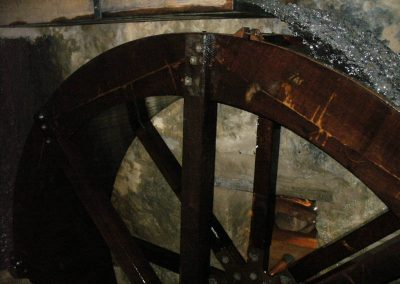 reportage-montage-roue-moulin-de-pinquet-145